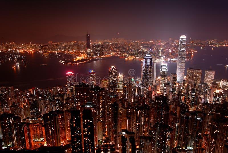 Hong- KongSkyline von der Victoria-Spitze bis zum Nacht stockfotografie