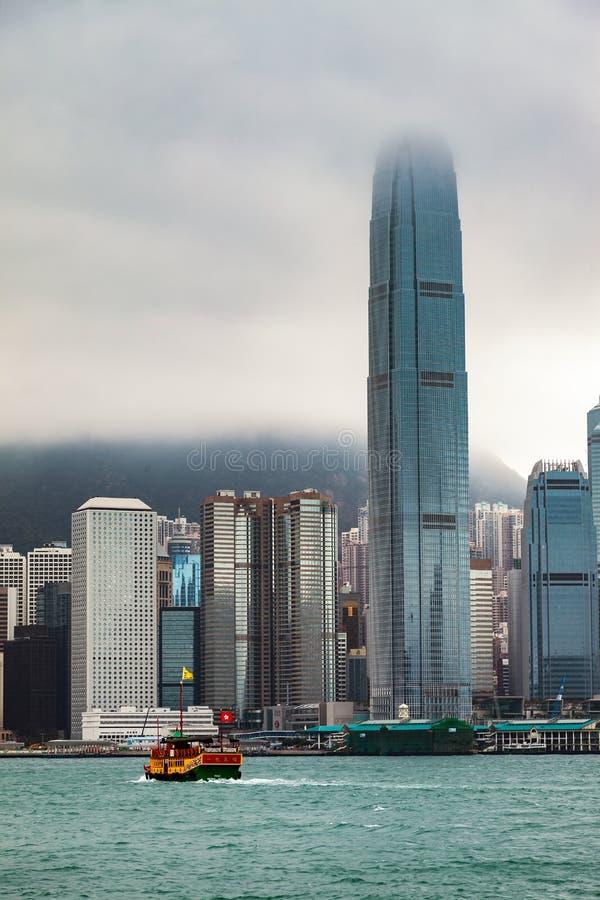 HONGKONG, CHINA/ASIA - LUTY 29: Widok linia horyzontu w Hong obrazy royalty free