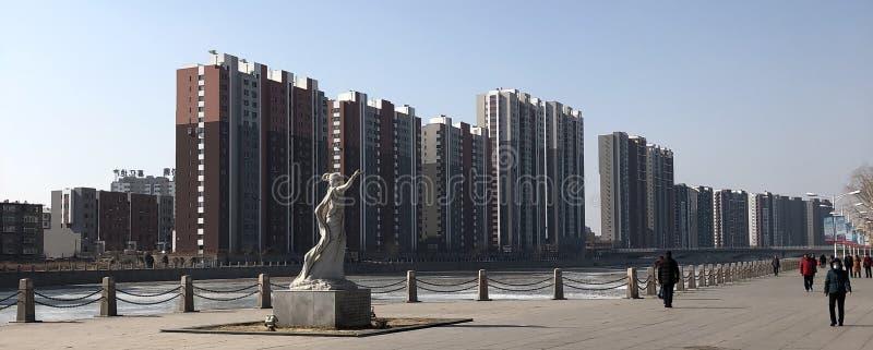 Hongluonv en el parque de Lianshan, Huludao, China foto de archivo libre de regalías