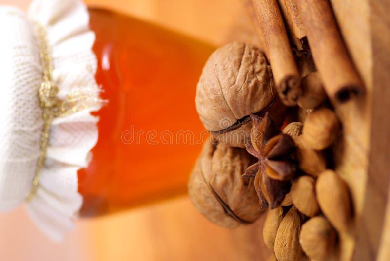 Honig und Gewürze stockfoto