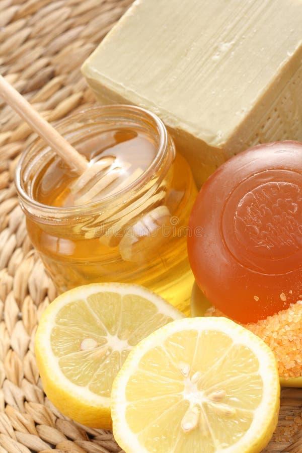 Honig- und Zitronebad lizenzfreies stockfoto