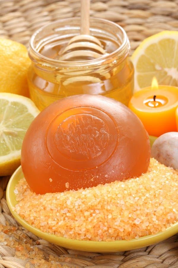 Honig- und Zitronebad lizenzfreie stockfotos