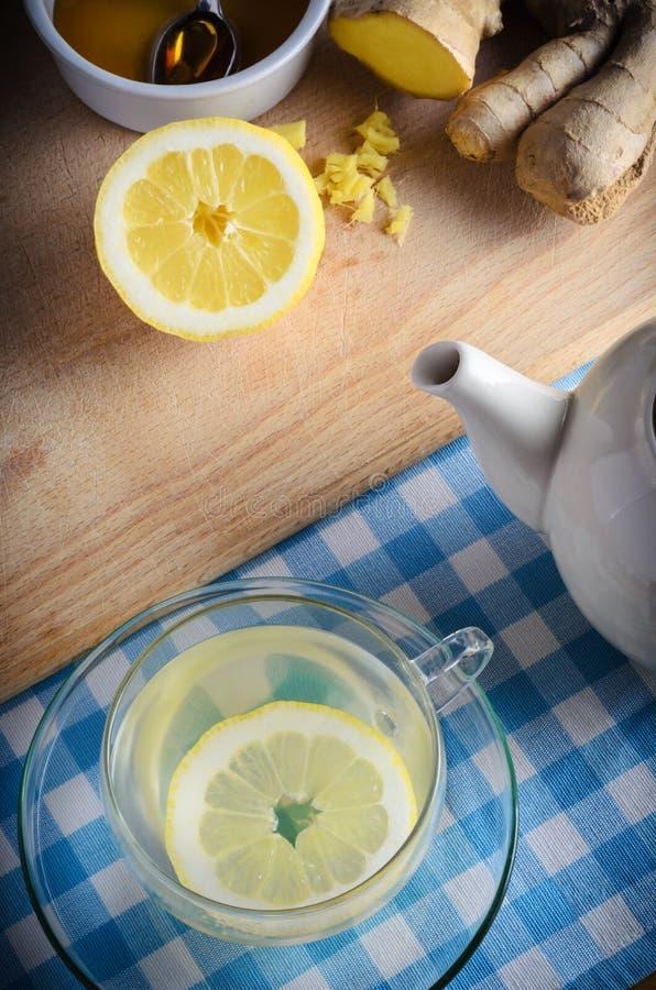 Honig-, Zitronen-und Ingwer-Getränk lizenzfreie stockbilder