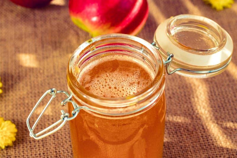 Honing in mooie Bank Het stilleven van de zomer stock foto's