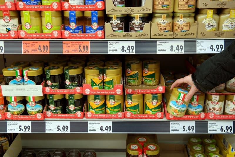 Honing voor verkoop in een supermarkt royalty-vrije stock foto