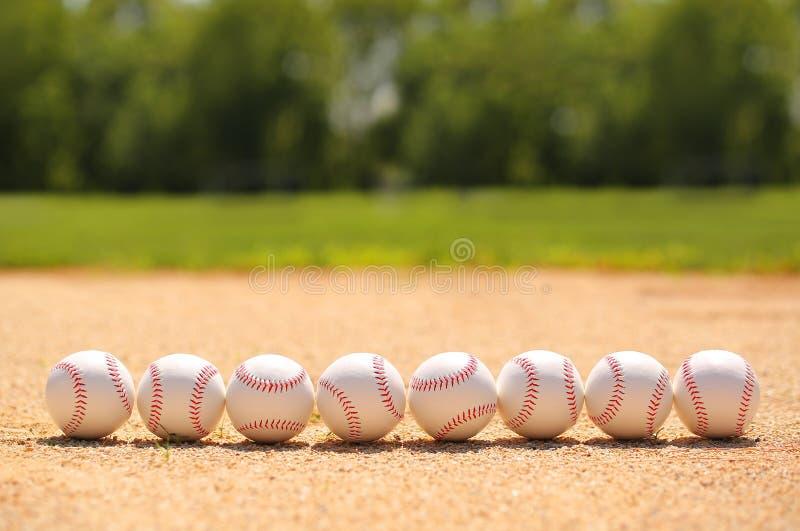 honkbal Ballen op Gebied stock foto's
