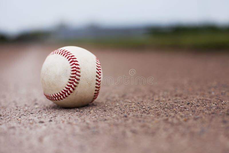 Honkbal op Gebied royalty-vrije stock afbeelding