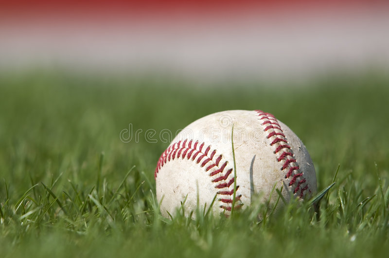 Honkbal op het gebied royalty-vrije stock foto