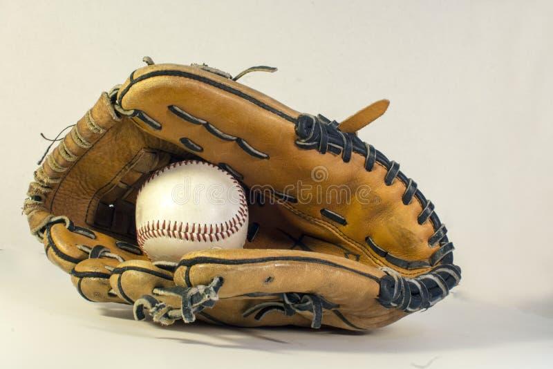 honkbalhandschoen met honkbal stock afbeelding