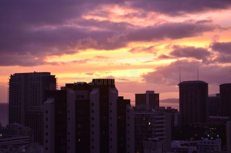 Honolulu, Hawaï, coucher du soleil coloré d'horizon, 2 photos libres de droits