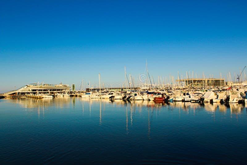 Honom port av Denia från Spanien arkivbild