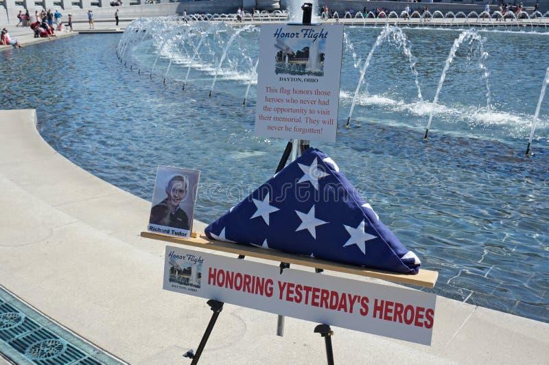 Honorer des vétérans image stock
