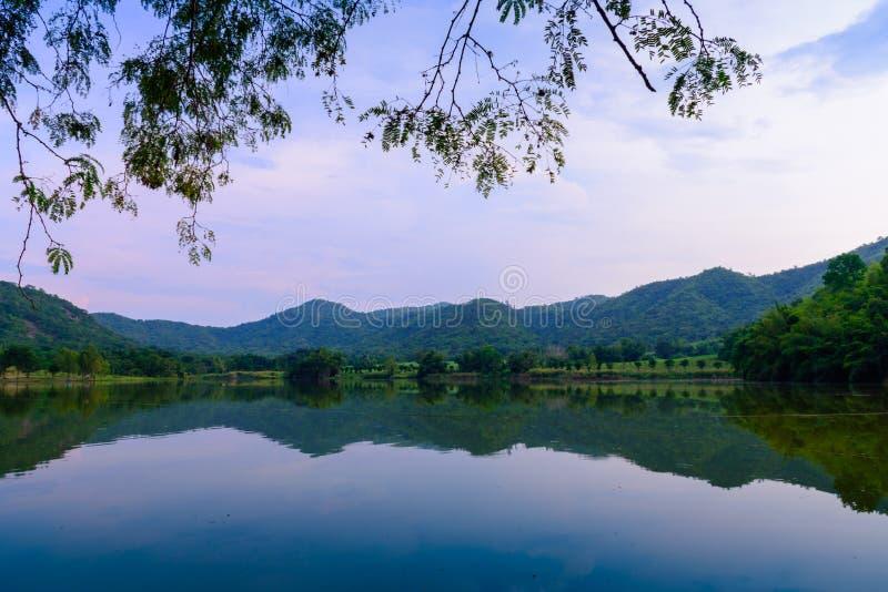 Hoob Khao Wong Reservoir, Danchang, Suphanburi, Tailândia, foto de stock