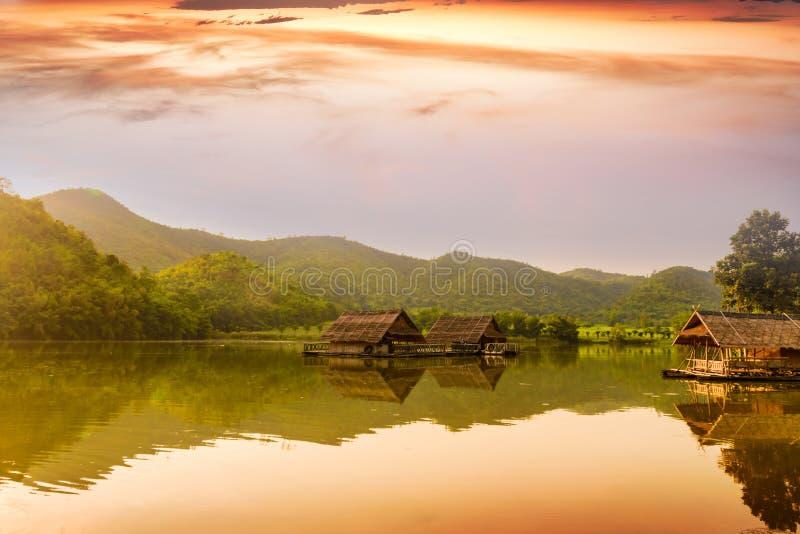 Hoob Khao Wong Reservoir, Danchang, Suphanburi, Tailândia, fotografia de stock royalty free