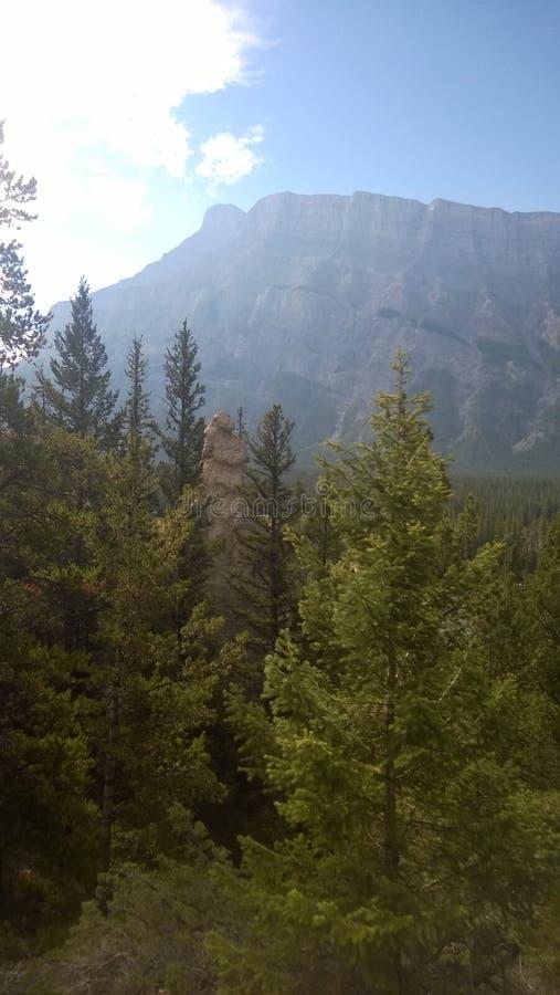 Hoodoo βουνών κοιλάδων τόξων banff στοκ φωτογραφία