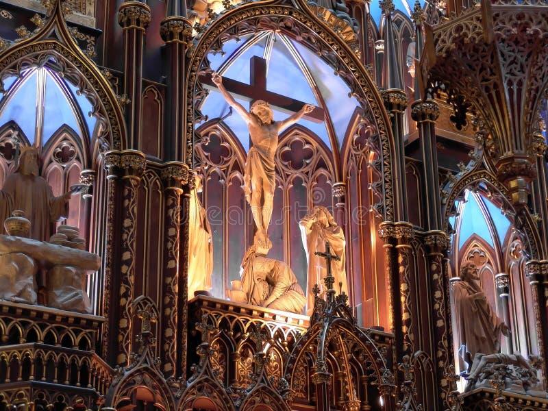 Hoofd altaar van de Basiliek van Notre-Dame in Montreal royalty-vrije stock foto