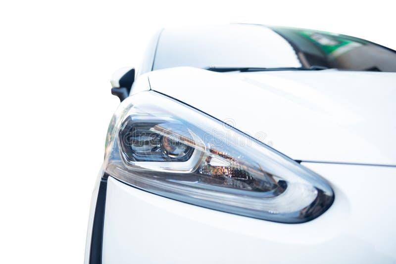 Hoofd geïsoleerd licht van moderne auto stock foto's