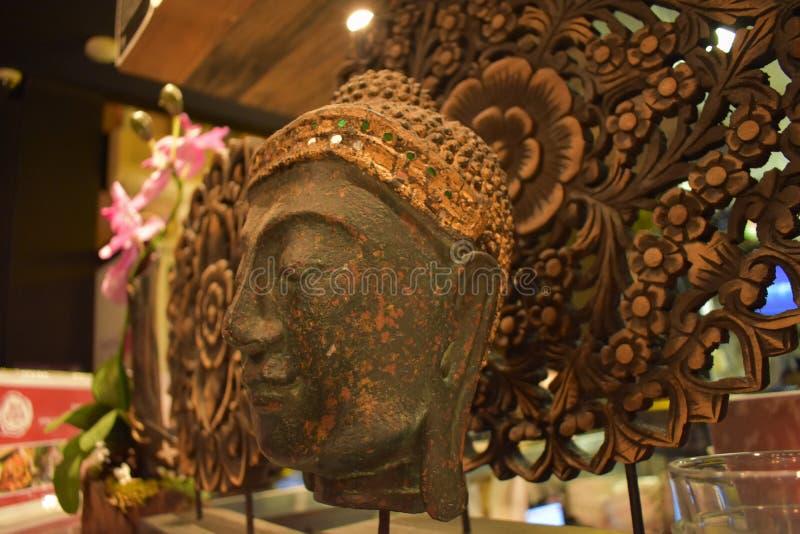 Hoofd het standbeeld dichte omhooggaand van Boedha royalty-vrije stock afbeeldingen