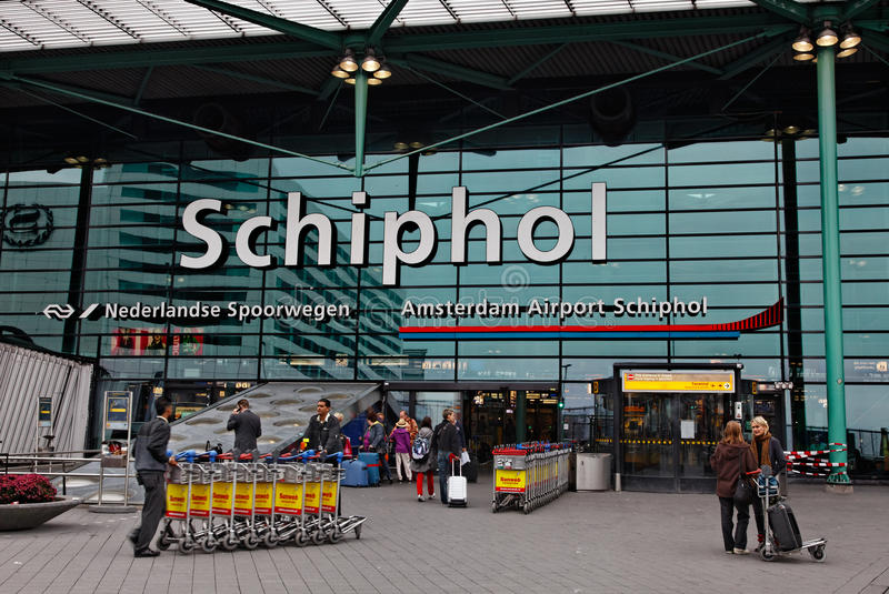 Hoofd Ingang in Schiphol Luchthaven Amsterdam stock foto's