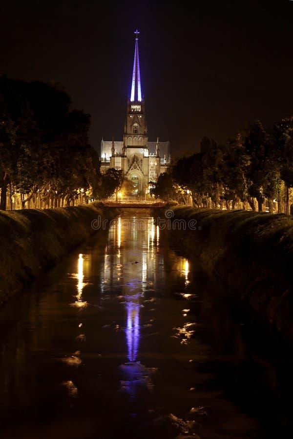 Hoofd Kathedraal in 's nachts Petropolis royalty-vrije stock afbeeldingen