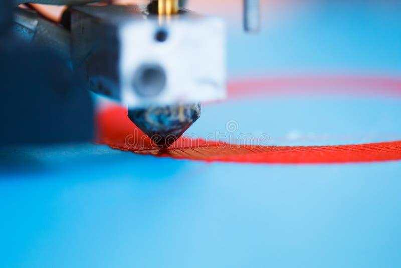 Hoofd van 3d printer in actie royalty-vrije stock foto