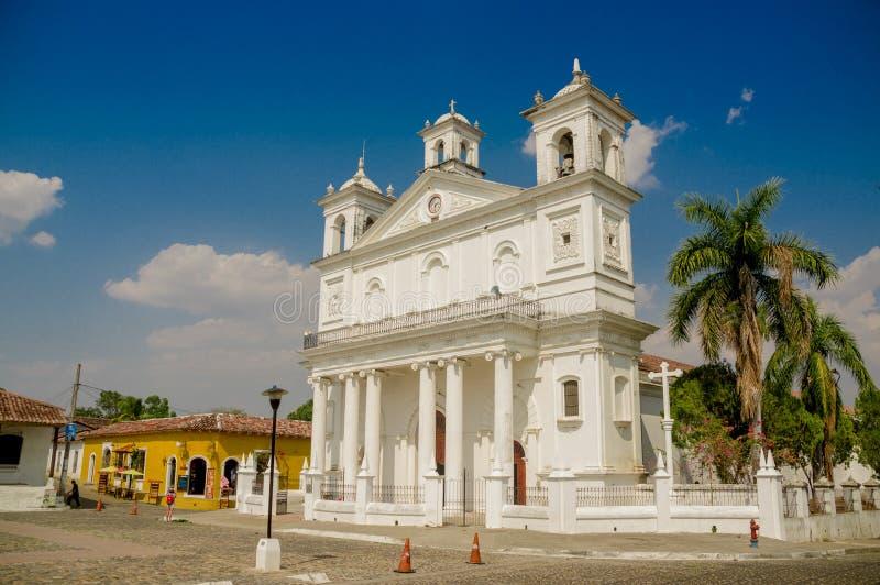 Hoofd vierkante kerk, Suchitoto-stad in El Salvador royalty-vrije stock fotografie