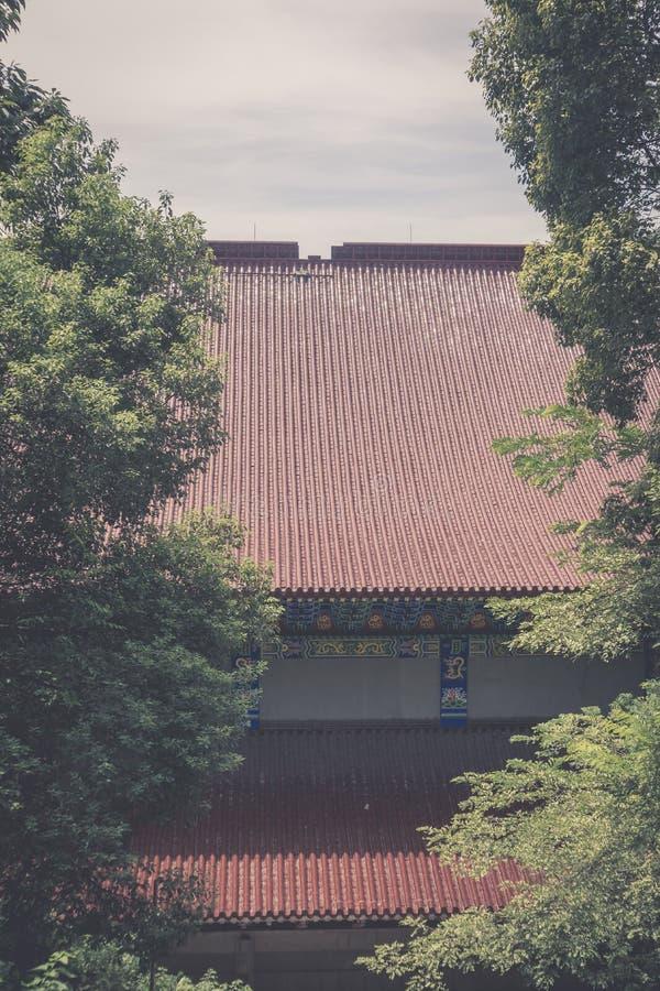 Hoofd zaal van een Boeddhistische tempel royalty-vrije stock afbeeldingen