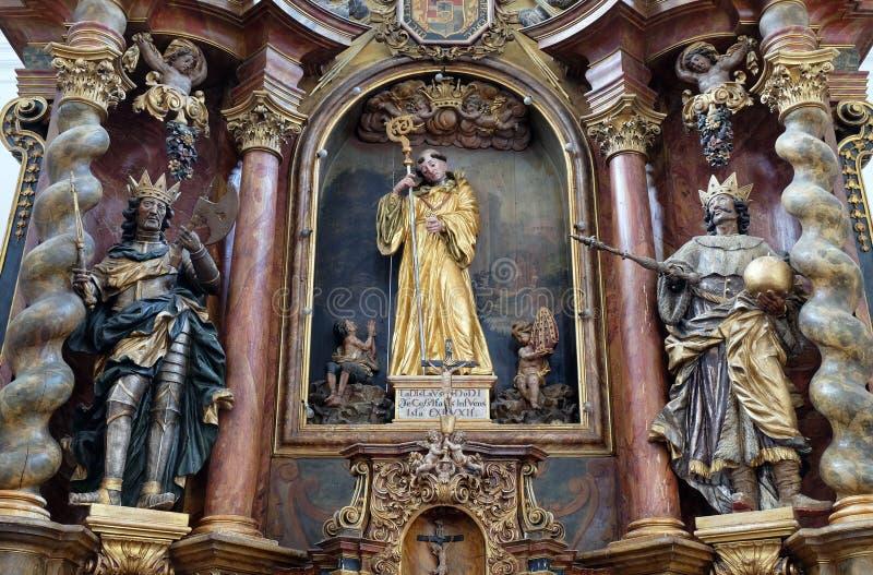 Hoofdaltaar in de kerk Leonard van Noblac in Kotari, Kroatië royalty-vrije stock fotografie