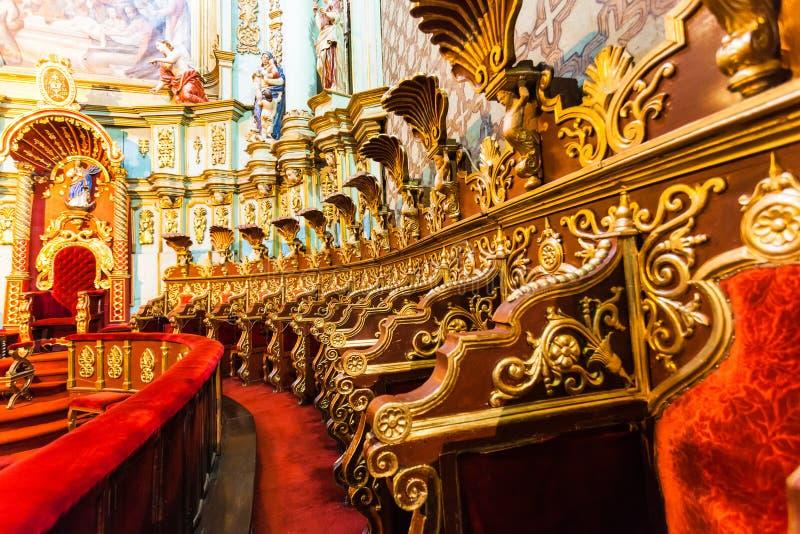 Hoofdaltaar van de Metropolitaanse Kathedraal van Quito royalty-vrije stock afbeeldingen