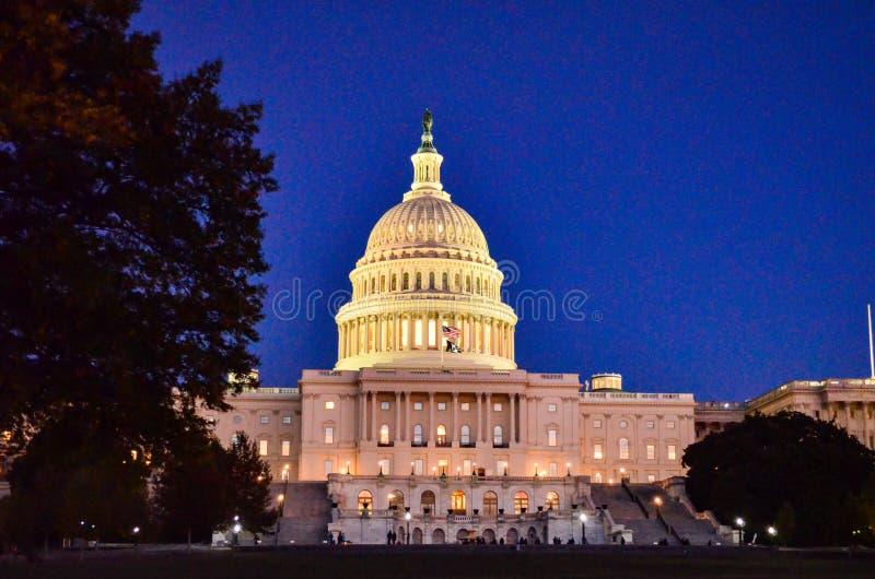 Hoofdartikel: Washington DC, de V.S. - 10 November 2017 Het gebouw van het Capitool van Verenigde Staten in Washington DC bij nac stock foto's