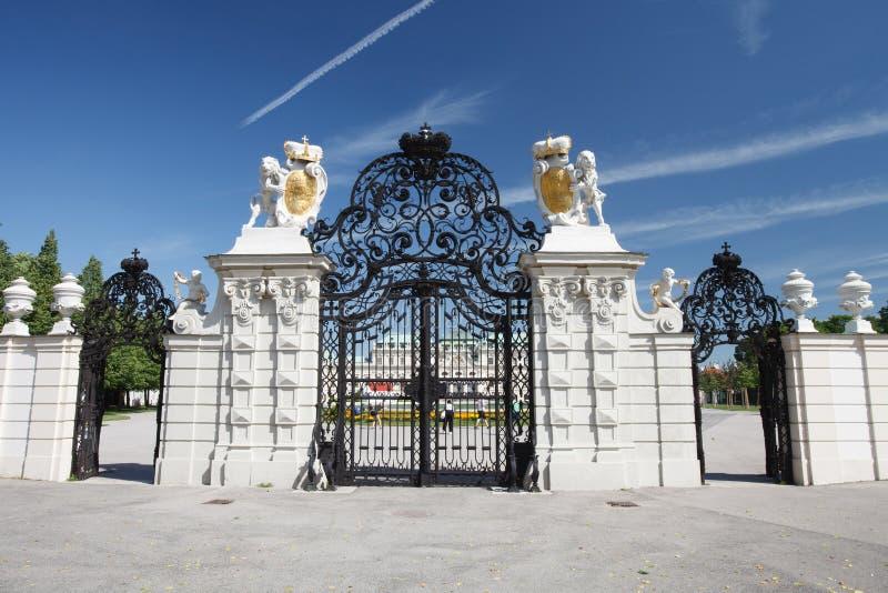 Hoofdingang van het hogere Belvedere Paleis, Wenen stock foto's