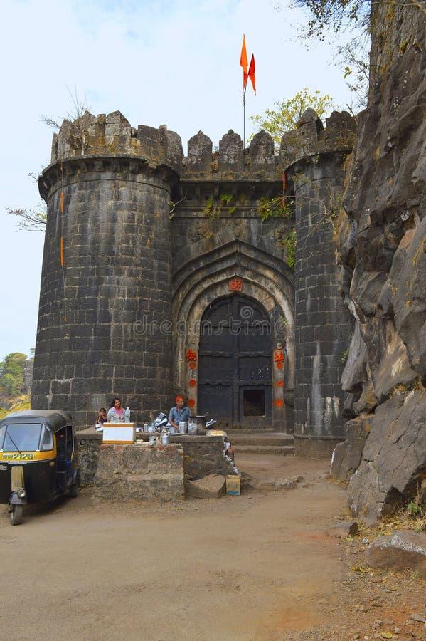 Hoofdingangspoort van fort Ajankyatara, Satara, Maharashtra, India stock fotografie
