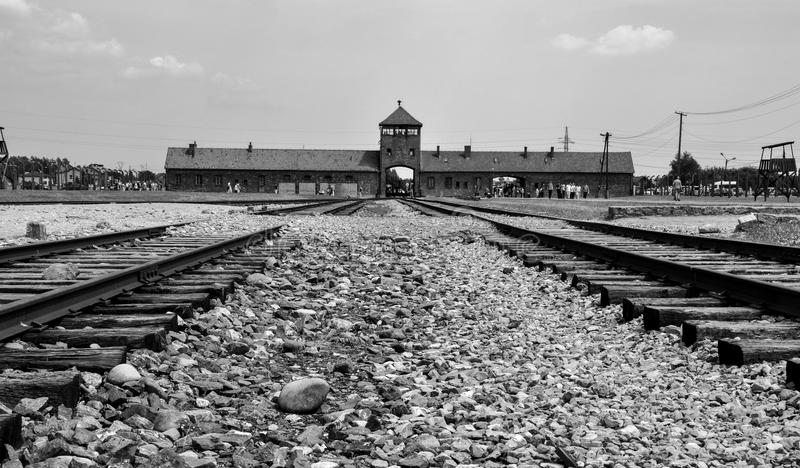 Hoofdpoorten van het concentratiekamp Auschwitz - Birkenau, Polen stock fotografie