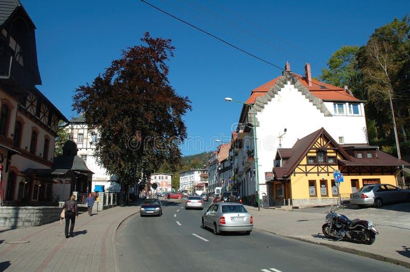 Hoofdstraat in Szklarska Poreba in Polen royalty-vrije stock afbeeldingen