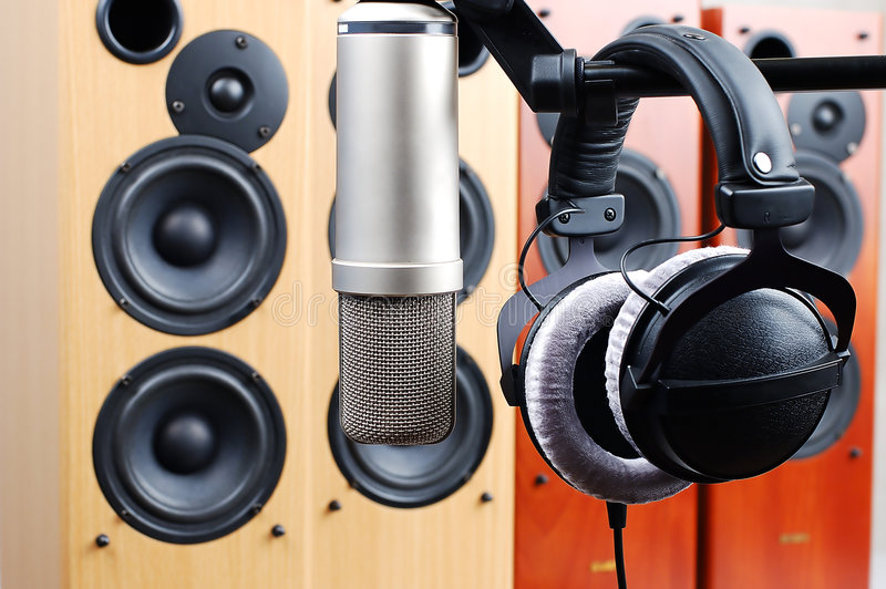 Hoofdtelefoons en microfoon stock foto
