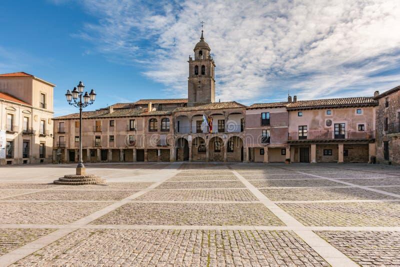 Hoofdvierkant van Medinaceli Dit wijd gesloten Kastiliaanse vierkant, porticoed en bijna pentagonale Soria, Spanje royalty-vrije stock afbeeldingen