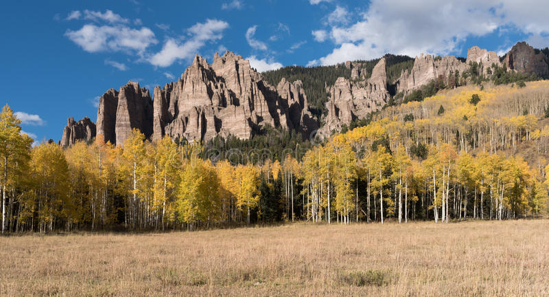 Hoog Mesa Pinnacles in Cimarron-Vallei Colorado stock fotografie