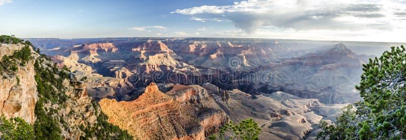 Hoog onderzoek-panorama van Grand Canyon bij zonsopgang royalty-vrije stock foto