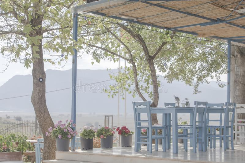 Hoog zeer belangrijk beeld van een dromerig eenvoudig restaurant in de hooglanden van Antalya royalty-vrije stock foto's