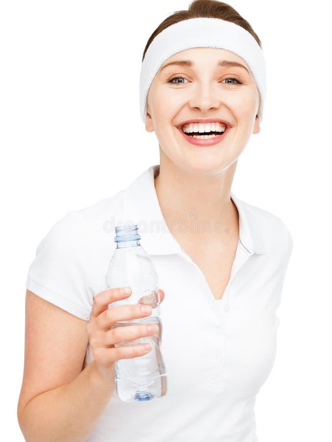 Hoog zeer belangrijk Portret van aantrekkelijke jonge isola van het vrouwen drinkwater stock afbeelding