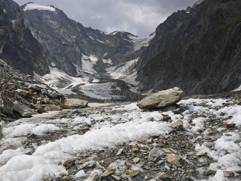 Hooggebergte in het Onderstel complexe Blanc, Val Veny-Alpen Mounta royalty-vrije stock afbeeldingen