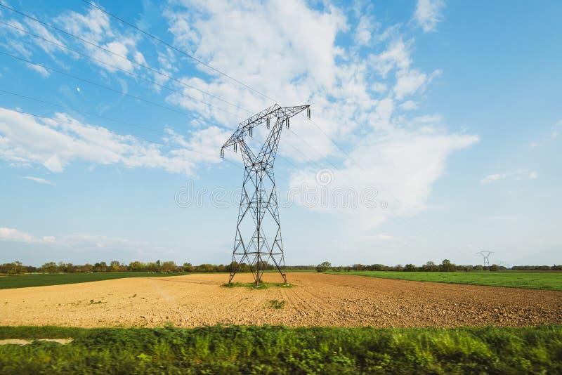 Hoogspannings elektrische powerline toren royalty-vrije stock fotografie