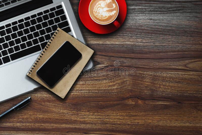 Hoogste mening Digitale marketing media smartphonesoftware stock afbeeldingen
