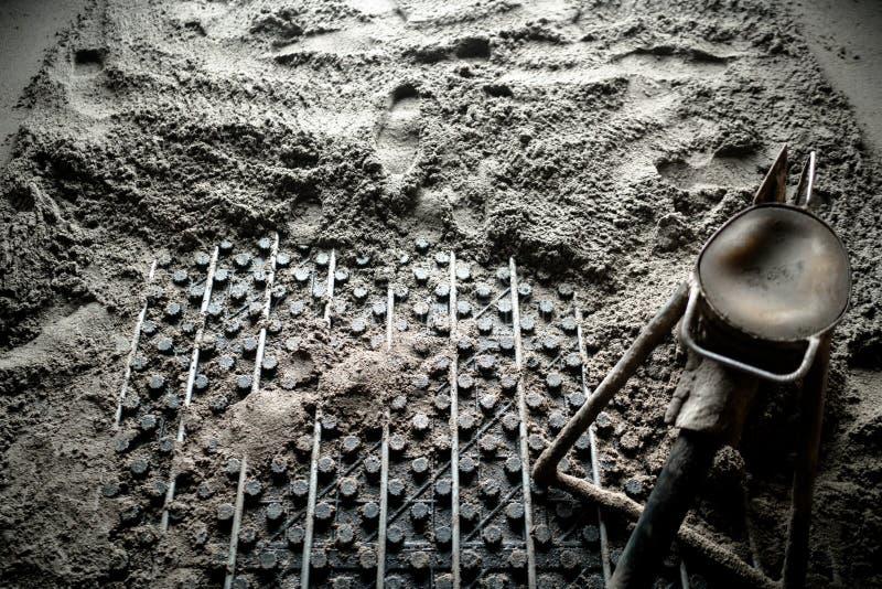 Hoogste mening van bouwdetails Hoogste mening van concrete pomp die voor vloerverwarming werkt stock foto's