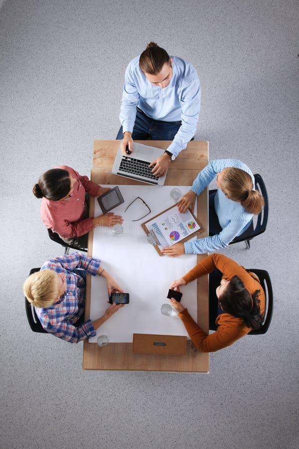 Hoogste mening van commercieel team die nieuwe idee?n bespreken stock foto