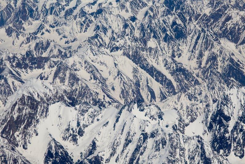 Hoogste mening van de Himalayan-bergen in Tibet stock afbeelding