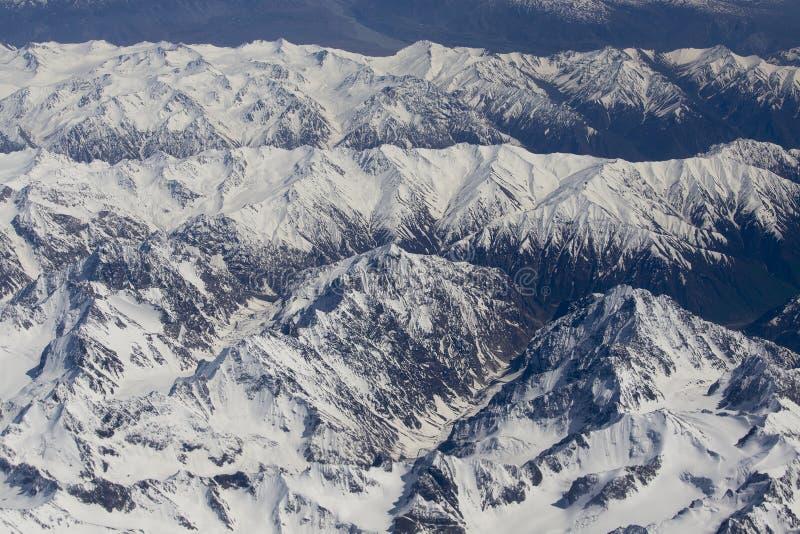 Hoogste mening van de Himalayan-bergen in Tibet stock foto's