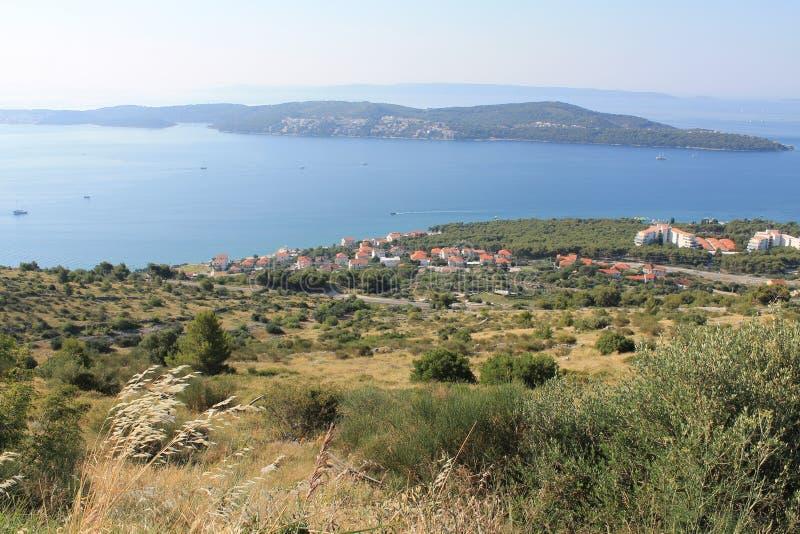 Hoogste mening van de Kroatische kust en de nabijgelegen Eilanden stock foto