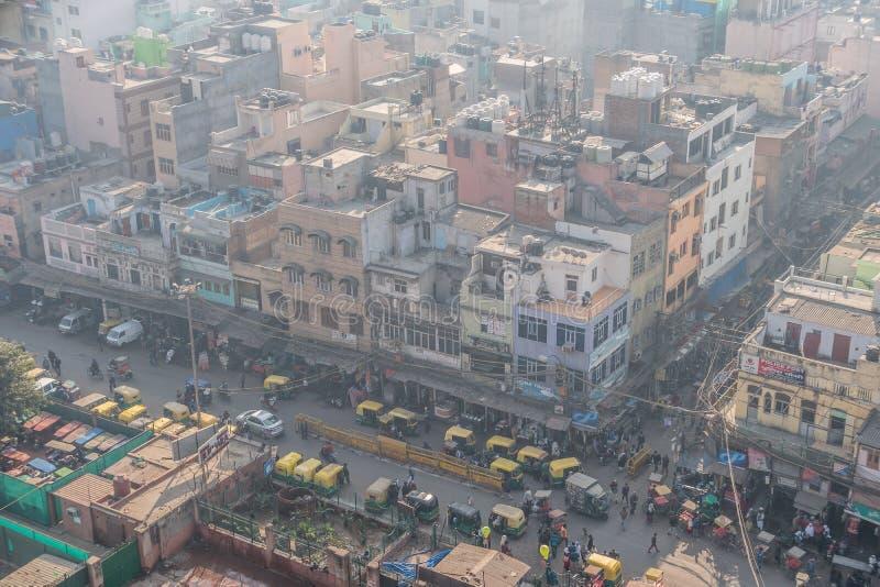 Hoogste mening van de stadsstraat van oud New Delhi stock afbeelding