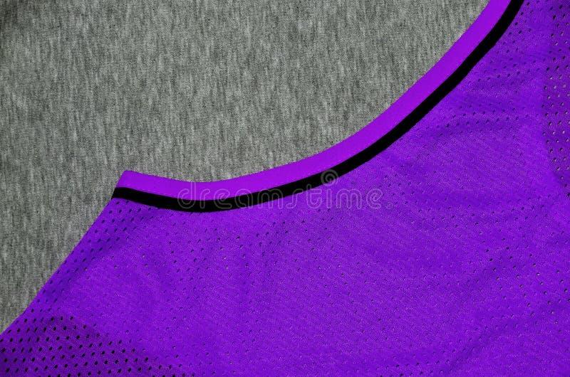 Hoogste Mening van Doek Textieloppervlakte Close-up verfomfaaide verwarmer en gebreide stoffentextuur met een dun gestreept patro royalty-vrije stock foto's